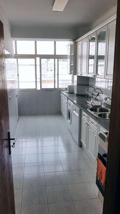 Lovely 2-bedroom apartment close to Estação do Oriente station