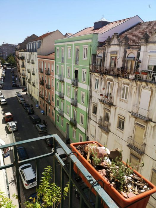 Spacious 1-bedroom apartment close to Alameda metro station