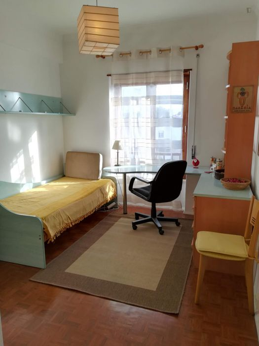 Oeiras - cozy and sunny single room