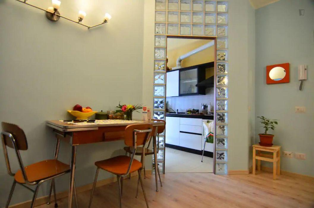 Twin ensuite bedroom in a 2-bedroom apartment near Parco industria Alfa Romeo - Parco Portello