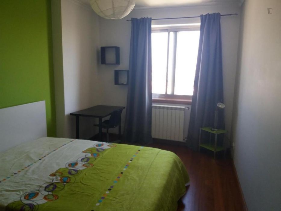 Lovely double bedroom close to Aveiro train station