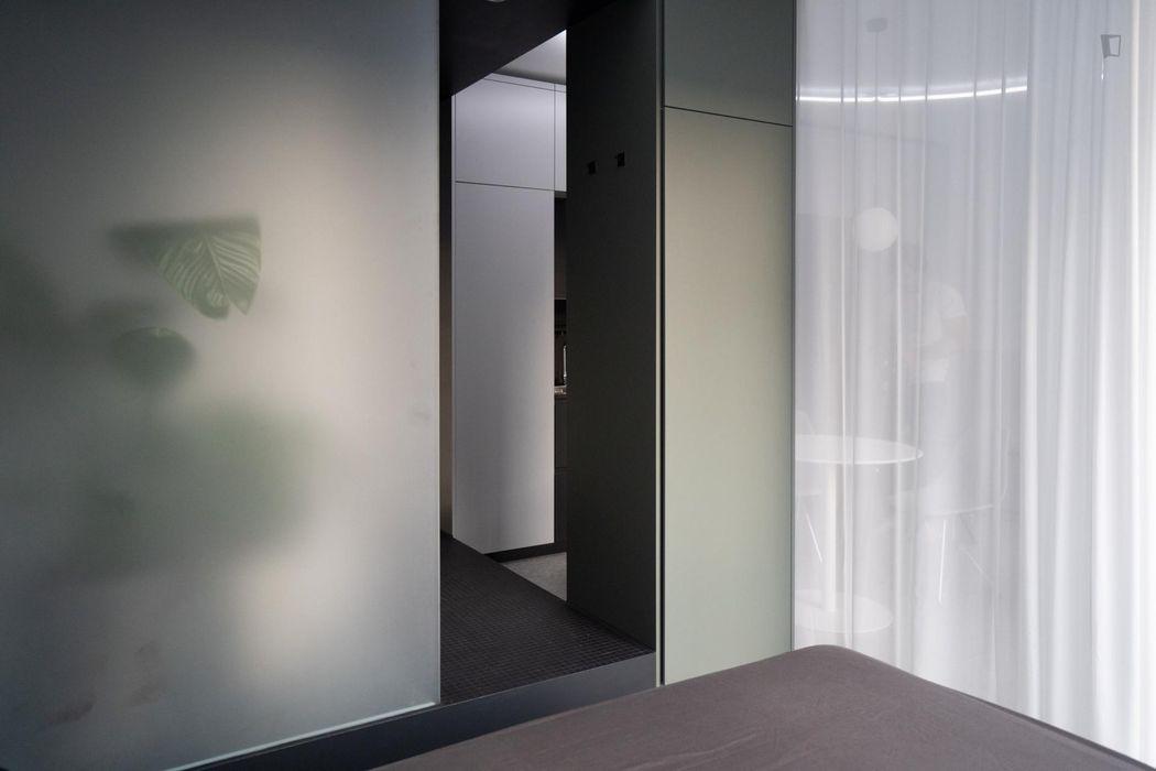 Modern studio apartment close to Prenzlauer Allee metro station