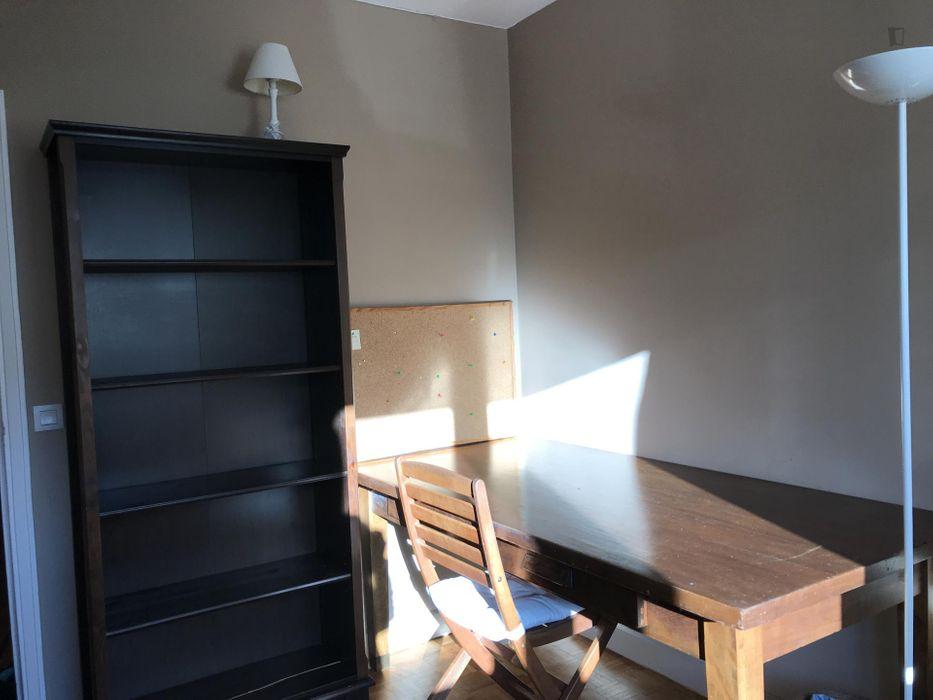 Homely single bedroom near Ségur metro station