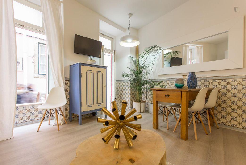 Studio apartment close to Rossio metro station