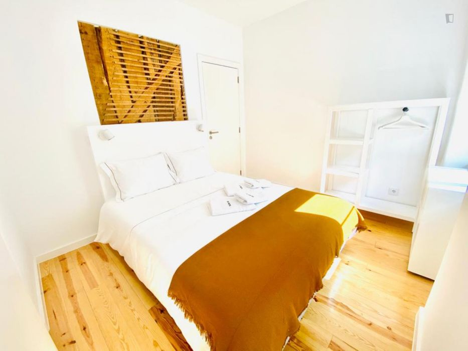 Double bedroom, with private bathroom, in 1-bedroom apartment
