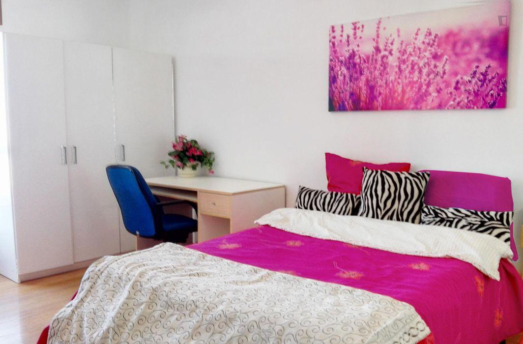 Good-looking double bedroom studio in within proximity to Benfica