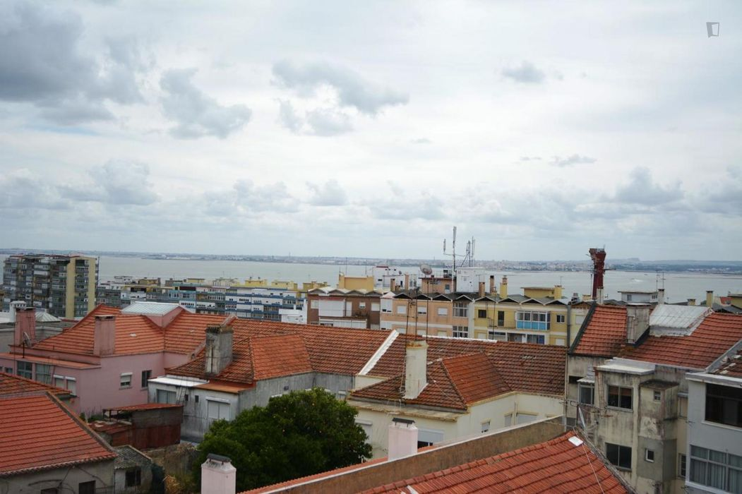 2-Bedroom apartment near Gil Vicente metro station