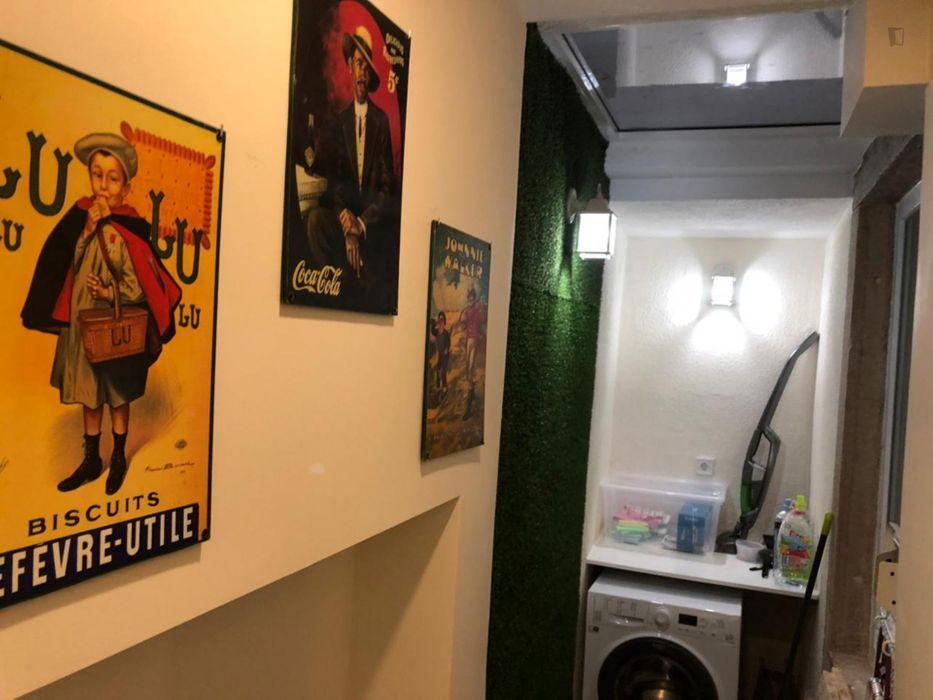 Nice 1-bedroom apartment close to Martim Moniz metro station