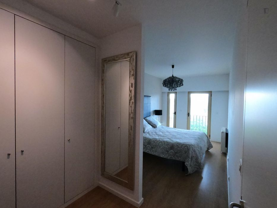 1-Bedroom apartment near Entre Campos metro station