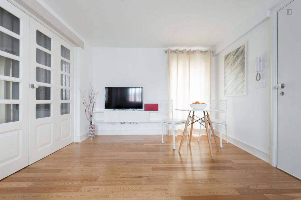 Lovely 1-bedroom apartment around Santa Apolónia metro station