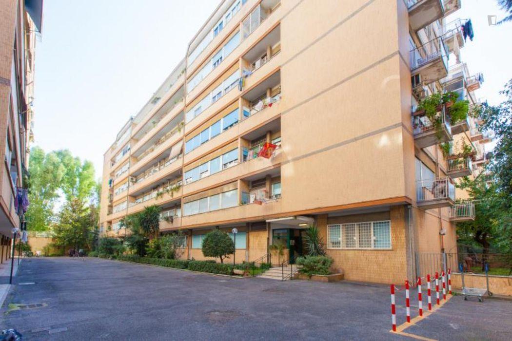 Twin bedroom in a 2-bedroom apartment near Università degli Studi Roma Tre - Ingegneria