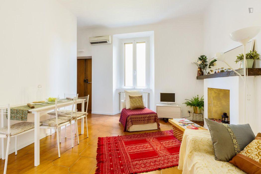 Renovated 1-bedroom apartment Porta Venezia