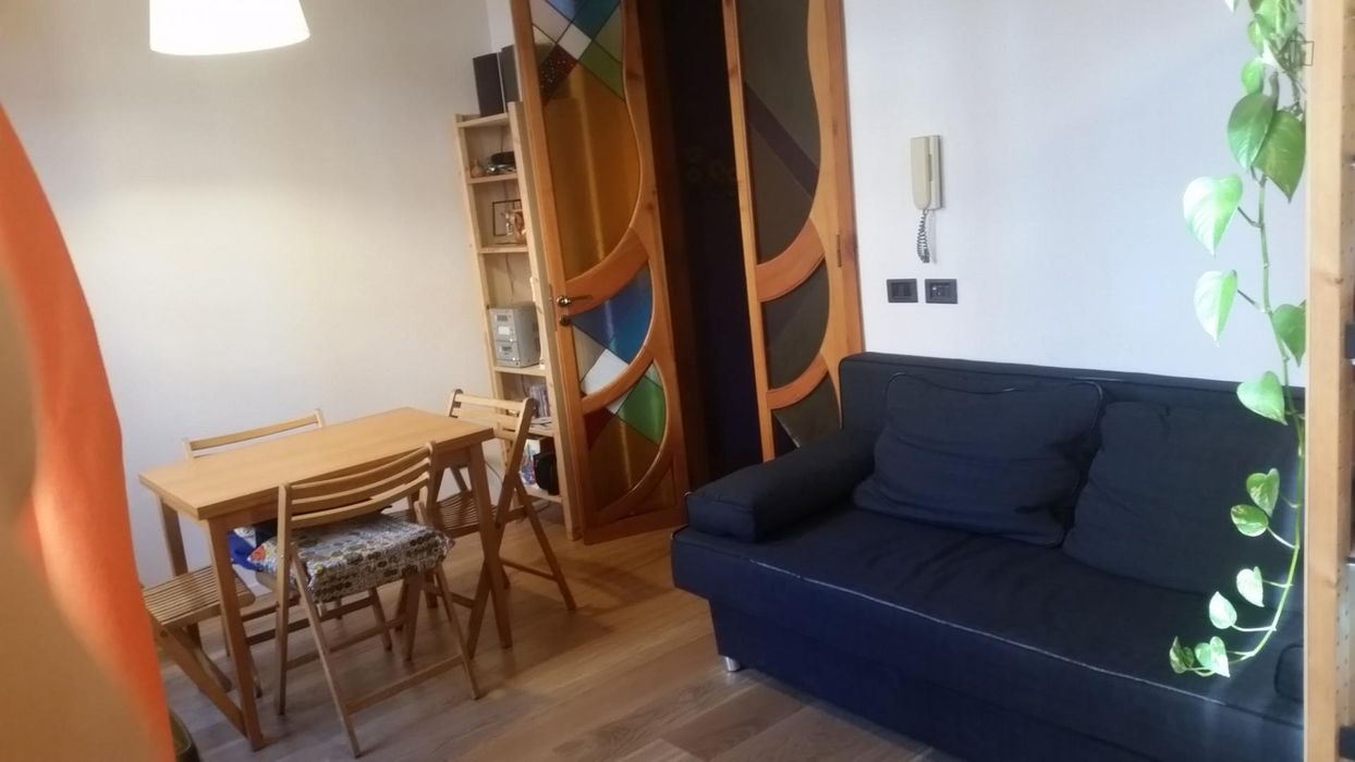 Twin ensuite bedroom in a 3-bedroom apartment near Cais do Sodré train station