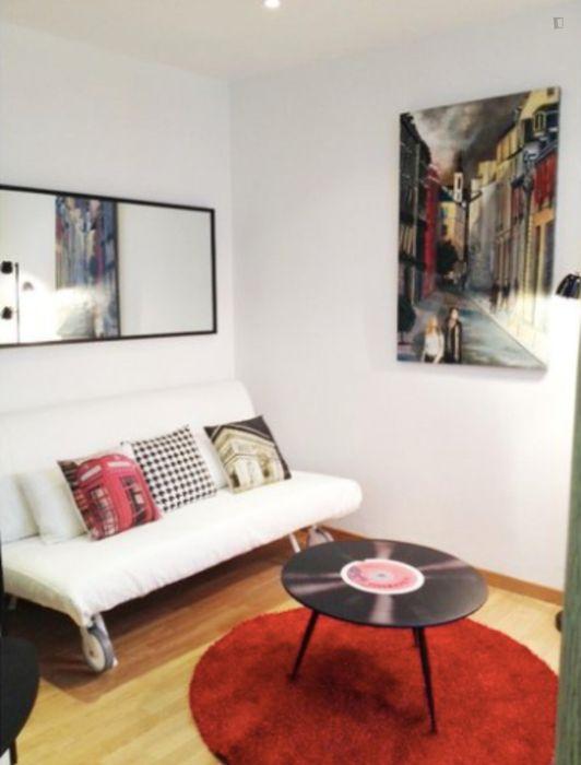 Modern studio near Champ de Mars