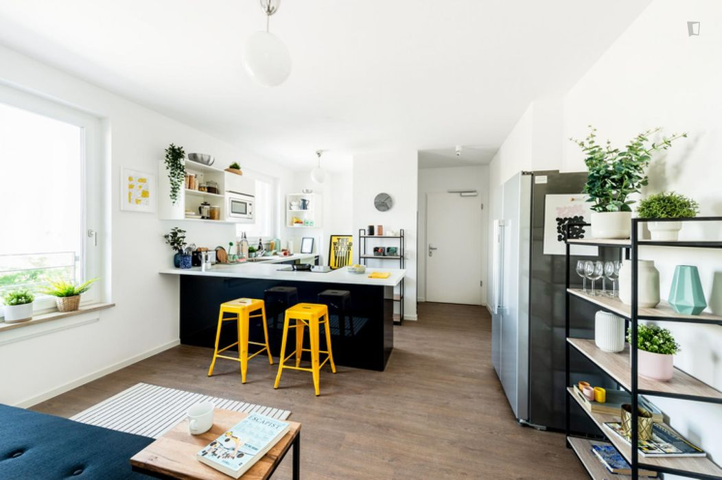 Luminous double bedroom in Moabit