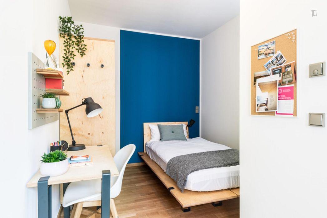 Spacious single bedroom in Friedrichshain