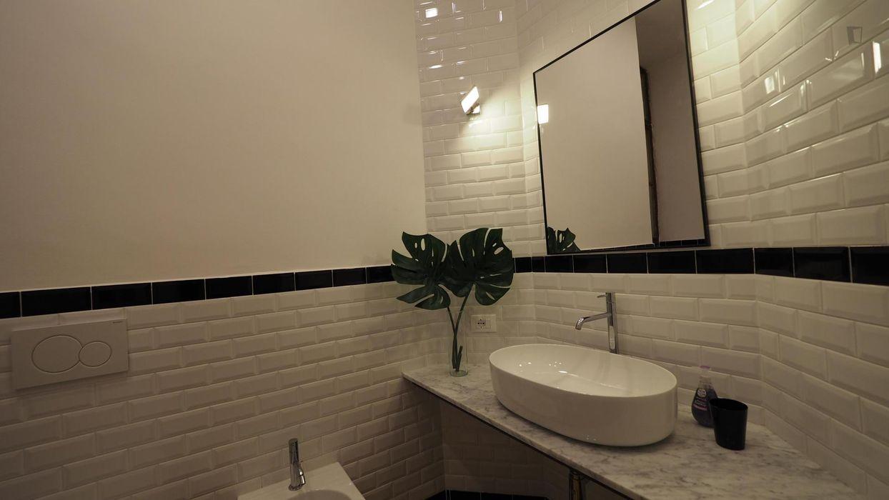 Lovely single bedroom near Re Umberto metro station