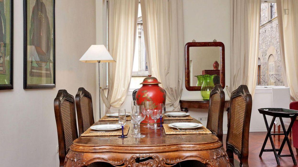 Cozy 2-bedroom apartment near Battistero di San Giovanni