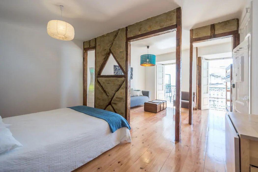 Typical 1-bedroom flat in Alfama