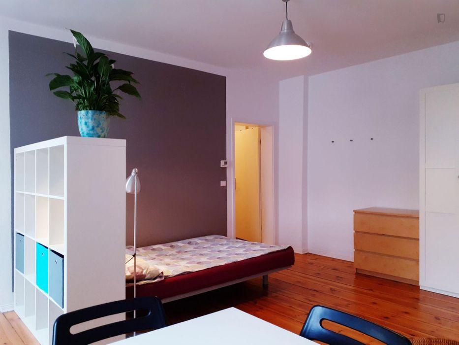 Wonderful 1-bedroom apartment in Berlin, Charlottenburg near Sophie-Charlotte Platz metro station