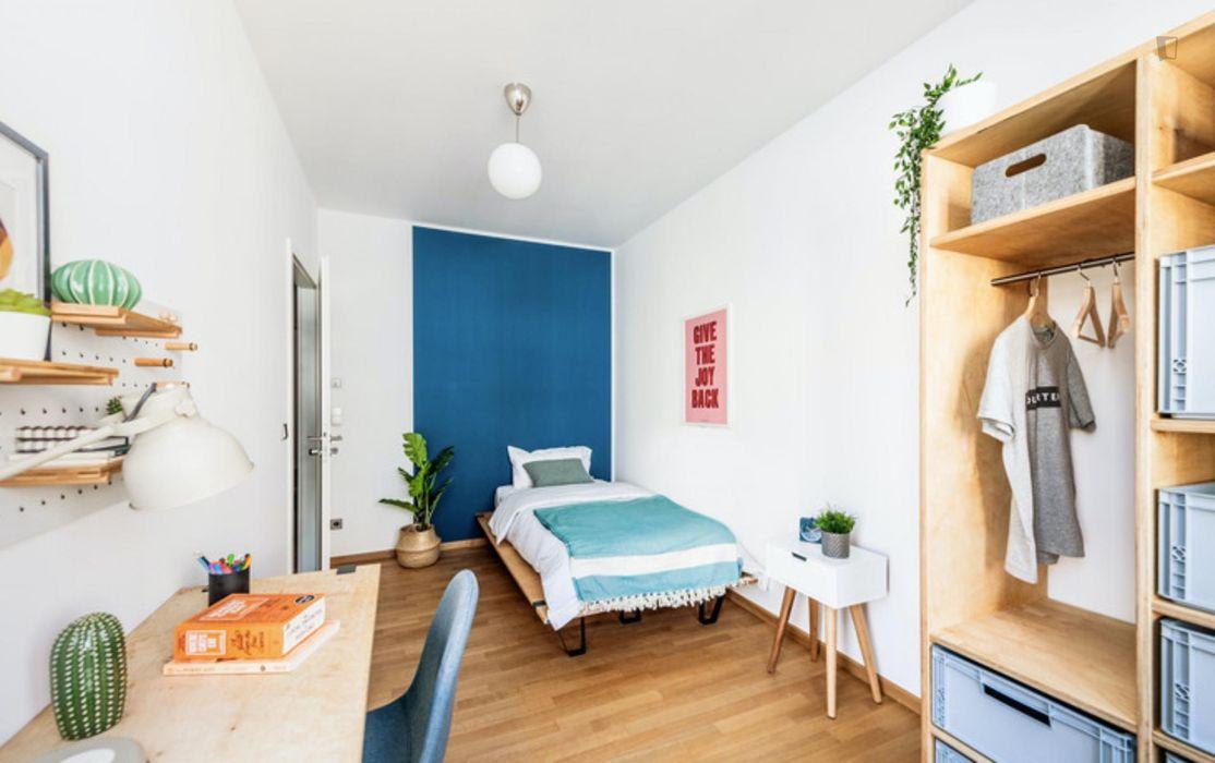 Nice double bedroom in a 2-bedroom apartment near Fritz-Schloß Park