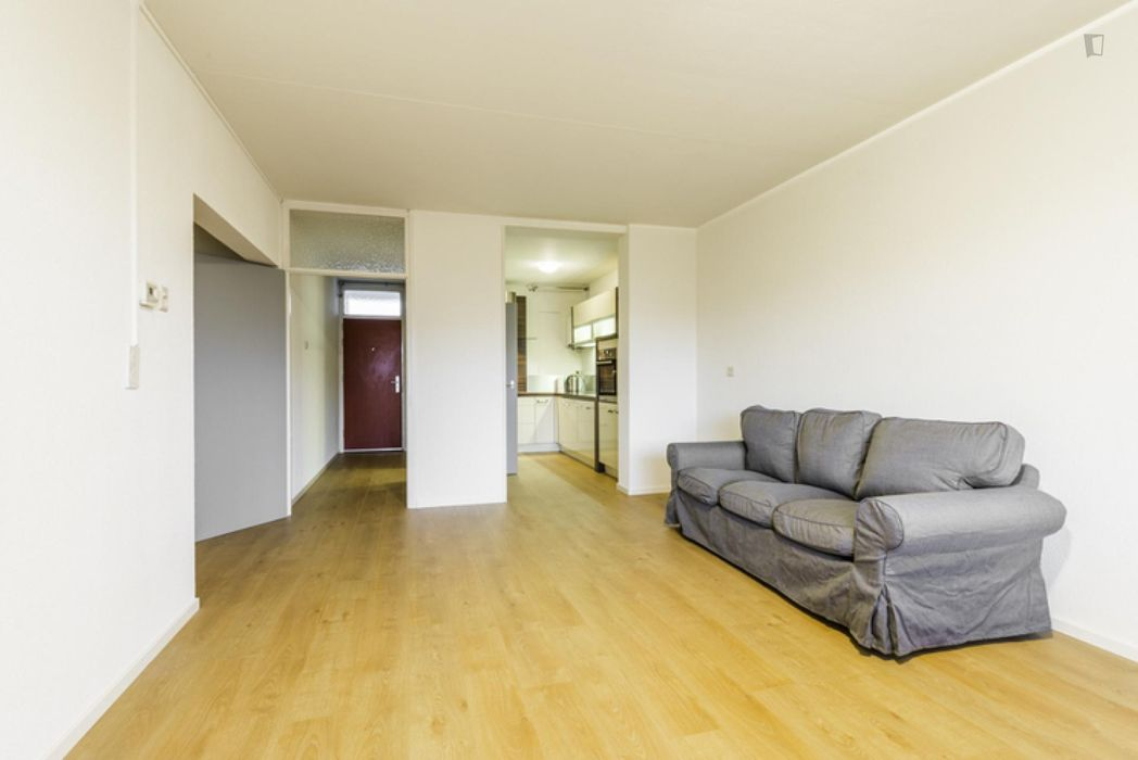 Bright double bedroom in a 4-bedroom apartment near Stichting Bijlmer Museum