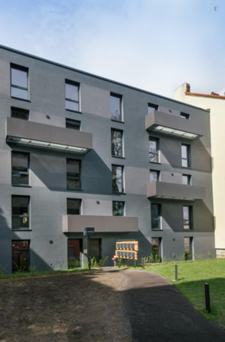 Charming double bedroom in a 5-bedroom apartment near U Birkenstraße transport station