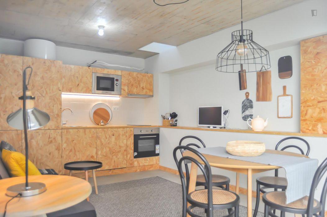 Bright 1-bedroom apartment near ISEG - Instituto Superior de Economia e Gestão da Universidade de Lisboa