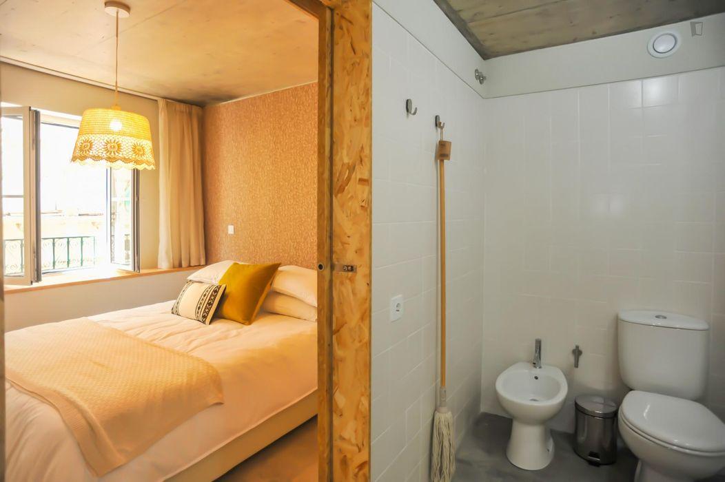 Lovely 2-bedroom apartment near ISEG - Instituto Superior de Economia e Gestão da Universidade de Lisboa