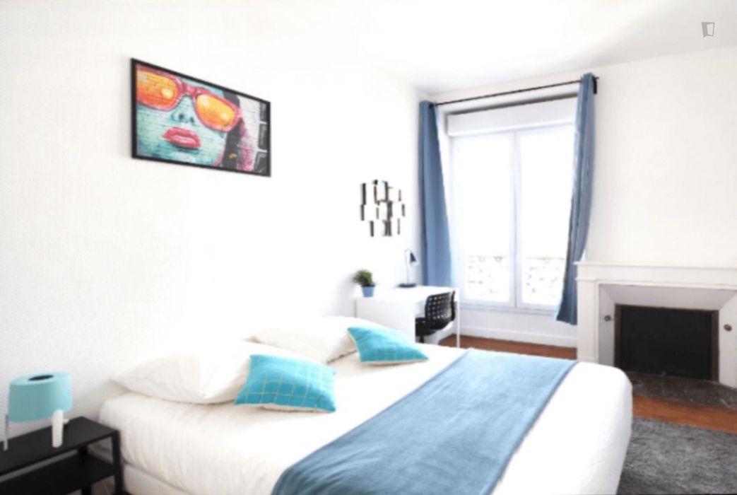 Nice double bedroom near Centre de Bordeaux