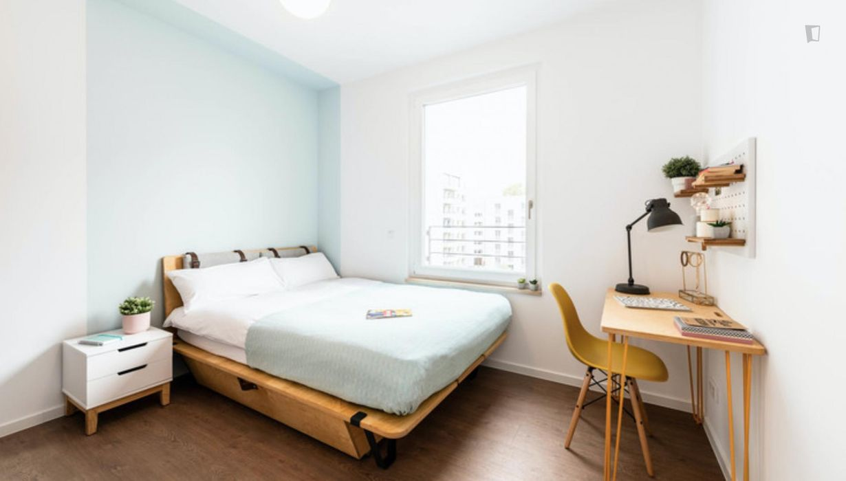 Charming double bedroom in a 2-bedroom apartment near S+U Lichtenberg train station