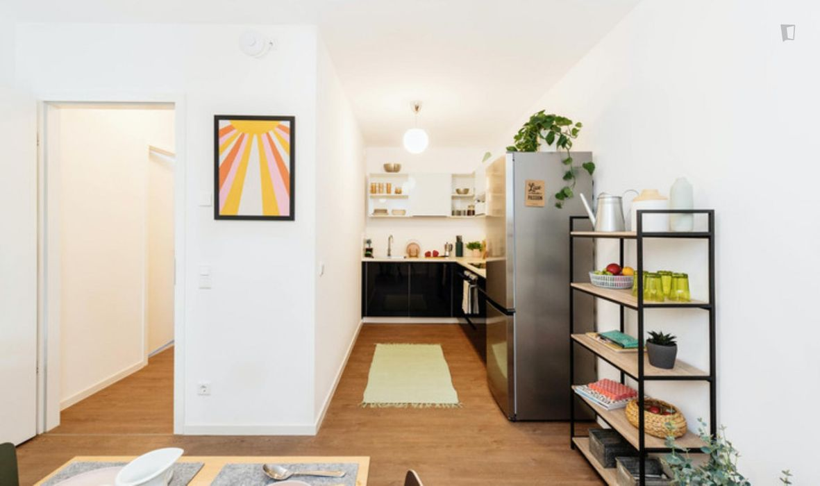 Amazing double bedroom in a 3-bedroom apartment near S+U Lichtenberg train station