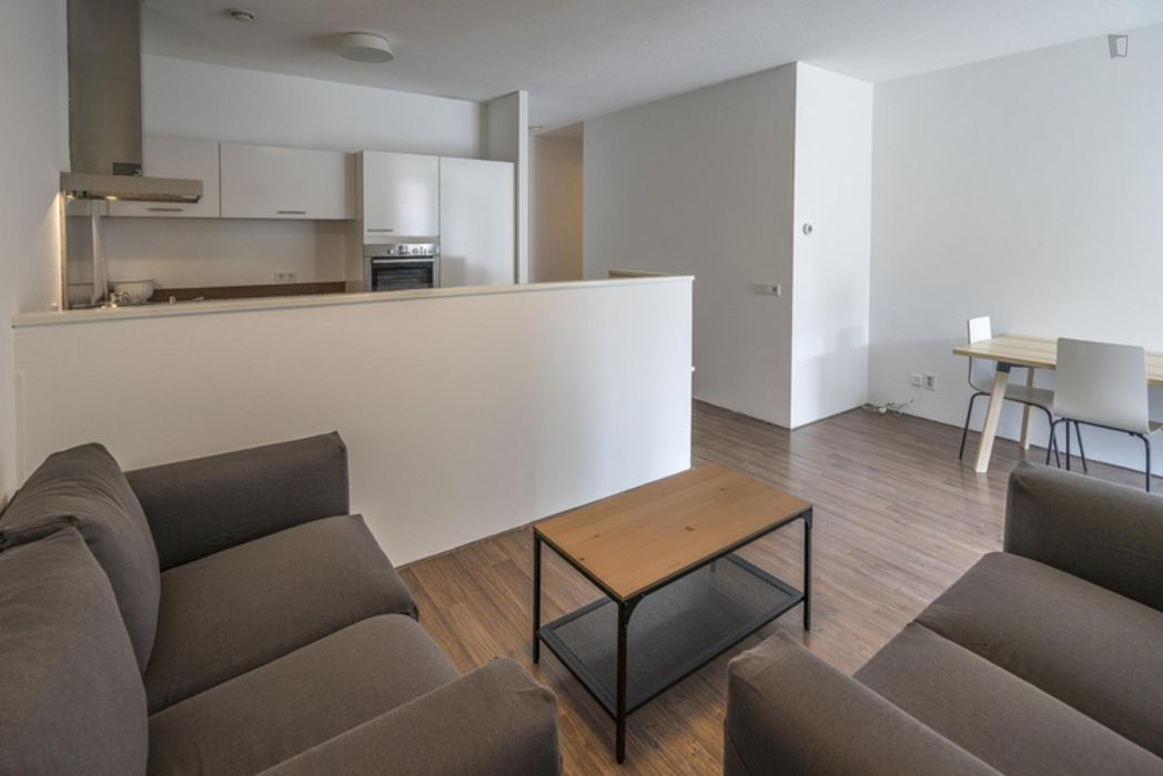 Comfy single bedroom in a 4-bedroom apartment near Amsterdam Lelylaan transport station