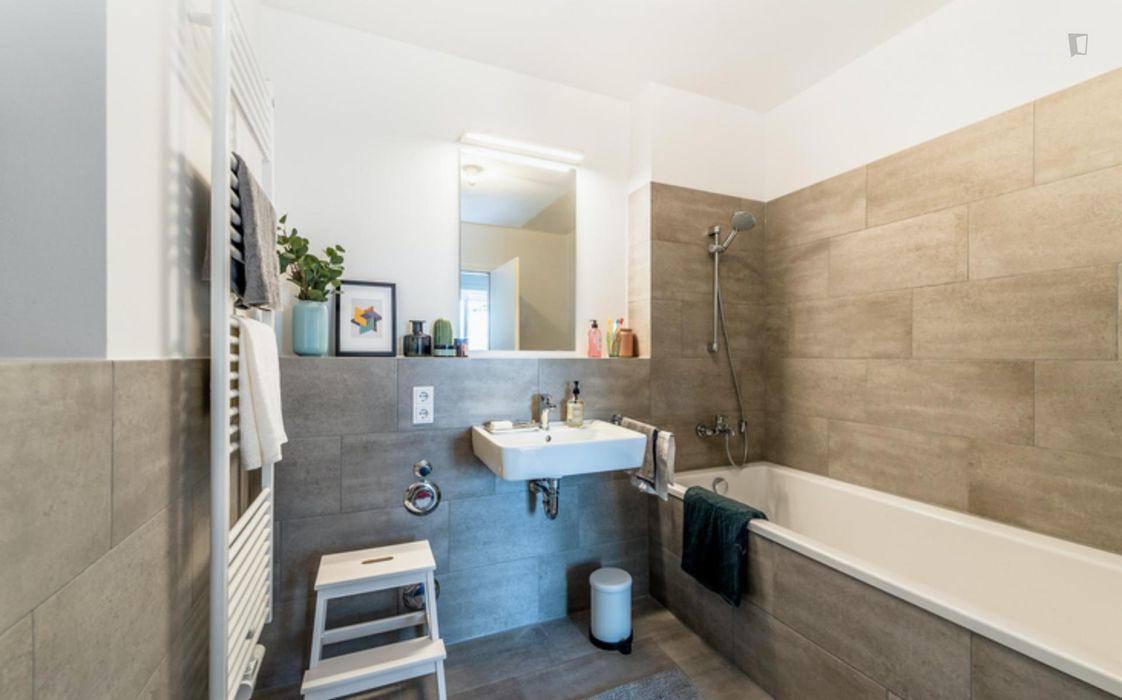 Fantastic double bedroom in a 5-bedroom apartment near Fritz-Schloß Park