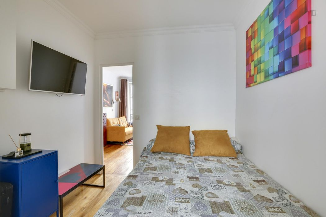 Nice 1-bedroom apartment near Arc de Triomphe metro station
