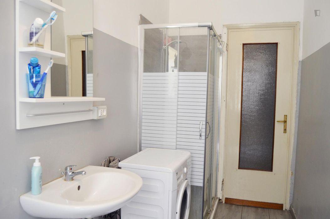 Neat double bedroom in the Bocconi neighbourhood