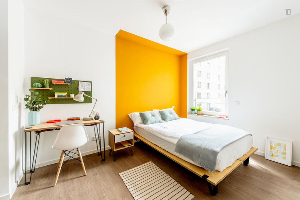 Charming double bedroom in a 2-bedroom apartment near Fritz-Schloß Park