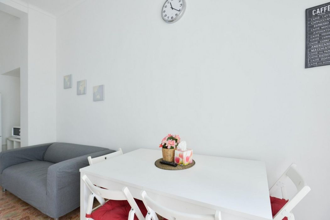 Bright Single Bedroom with balcony in Barriera di Milano area