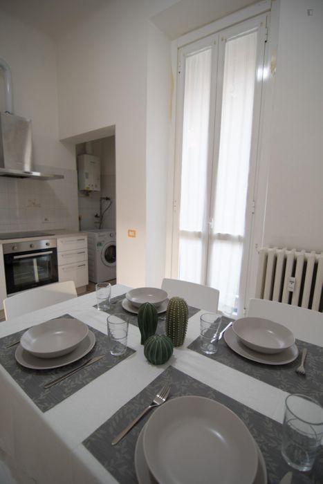 "Twin bedroom in a 3-bedroom apartment near Parco ""Giovanni Testori"""