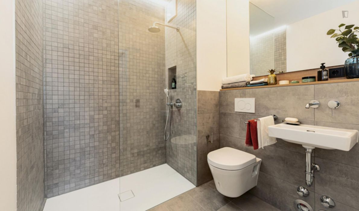 Charming double bedroom in a 2-bedroom apartment near U-Bahnhof Rehberge metro station