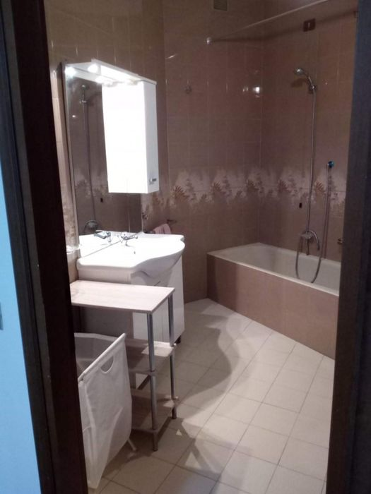 Double bedroom, in a 4-bedroom apartment near Parco di Villa Litta