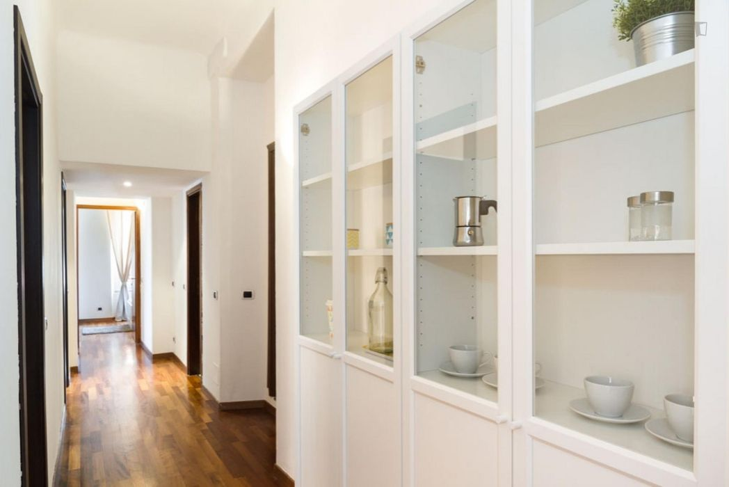 Alluring double bedroom in a 4-bedroom apartment near Caiazzo metro station
