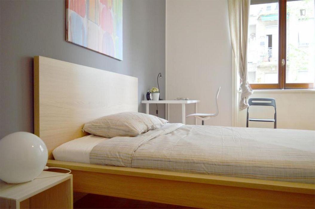 Fantastic double bedroom in a 5-bedroom apartment near Università degli Studi di Milano