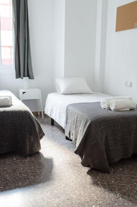 Student accommodation photo for Travessera de Gracia in Eixample & Gràcia, Barcelona