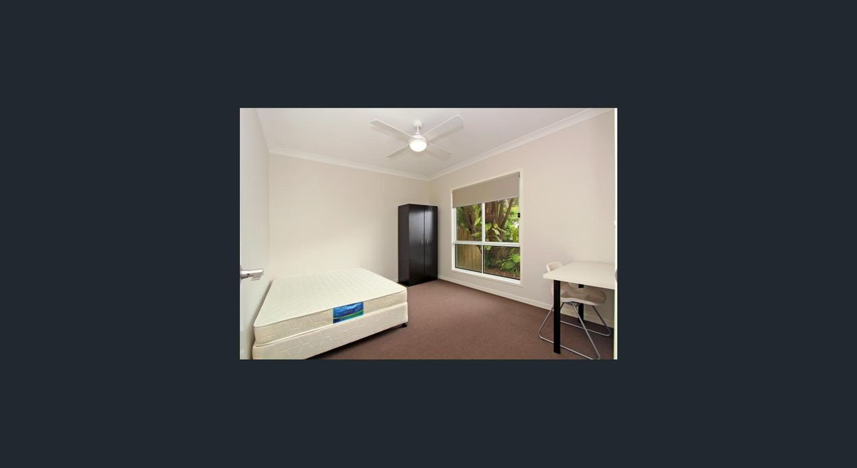 Student accommodation photo for 53 Fleurs Street in Central Brisbane, Brisbane