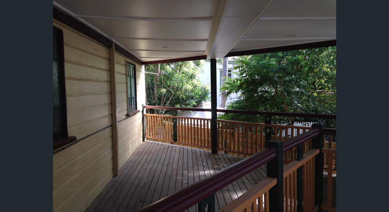 Student accommodation photo for 34 Water Street in Central Brisbane, Brisbane