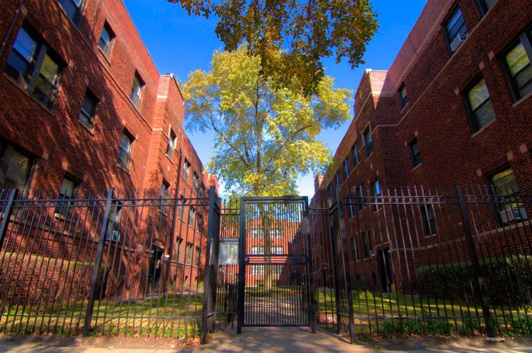 Student accommodation photo for 634-42 W. CORNELIA in North Side, Chicago, IL