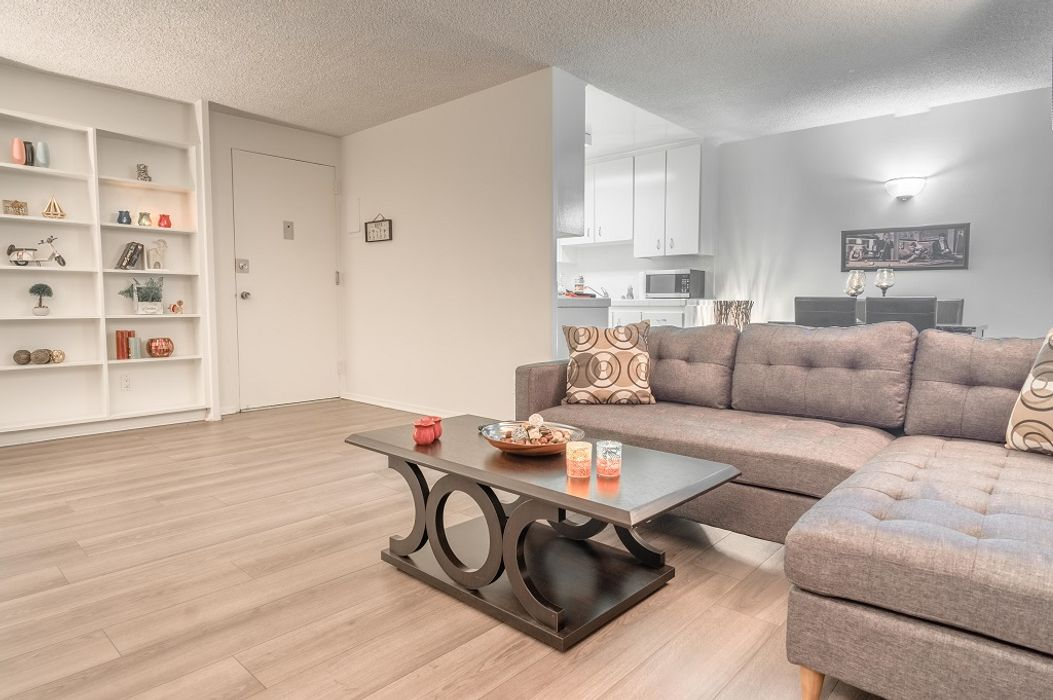 Student accommodation photo for Barrington Plaza in West Los Angeles, Los Angeles