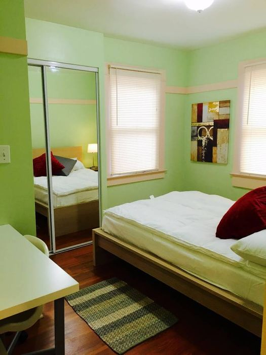 Student accommodation photo for 2424 5th in Santa Monica, Los Angeles