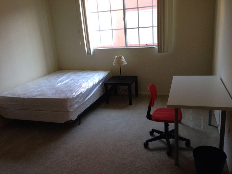 Student accommodation photo for 1902 Arizona in Santa Monica, Los Angeles